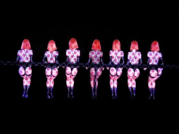 Danse endiablée au Crazy Horse
