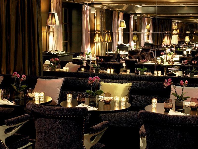 Le First Restaurant Boudoir Paris