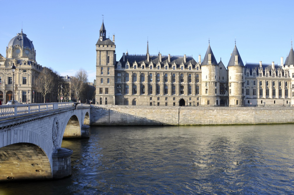 Discover La Conciergerie and Sainte-Chapelle
