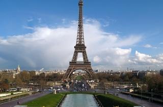 La Tour Eiffel, 75008 Paris.