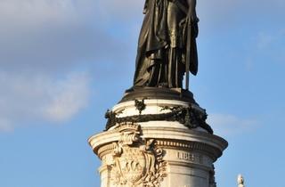 Statue de la République, Paris.