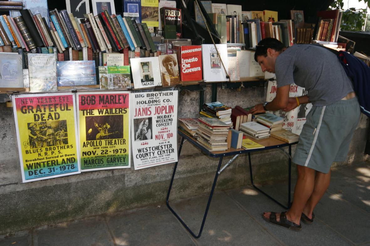 Markets for books and collectables in Paris