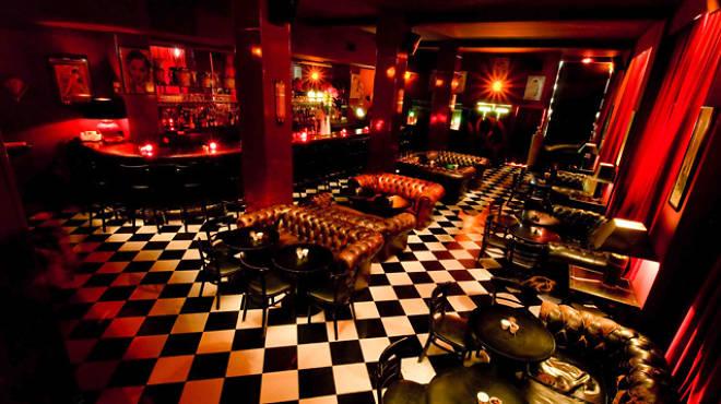 Petite soif ? • Bars et clubs