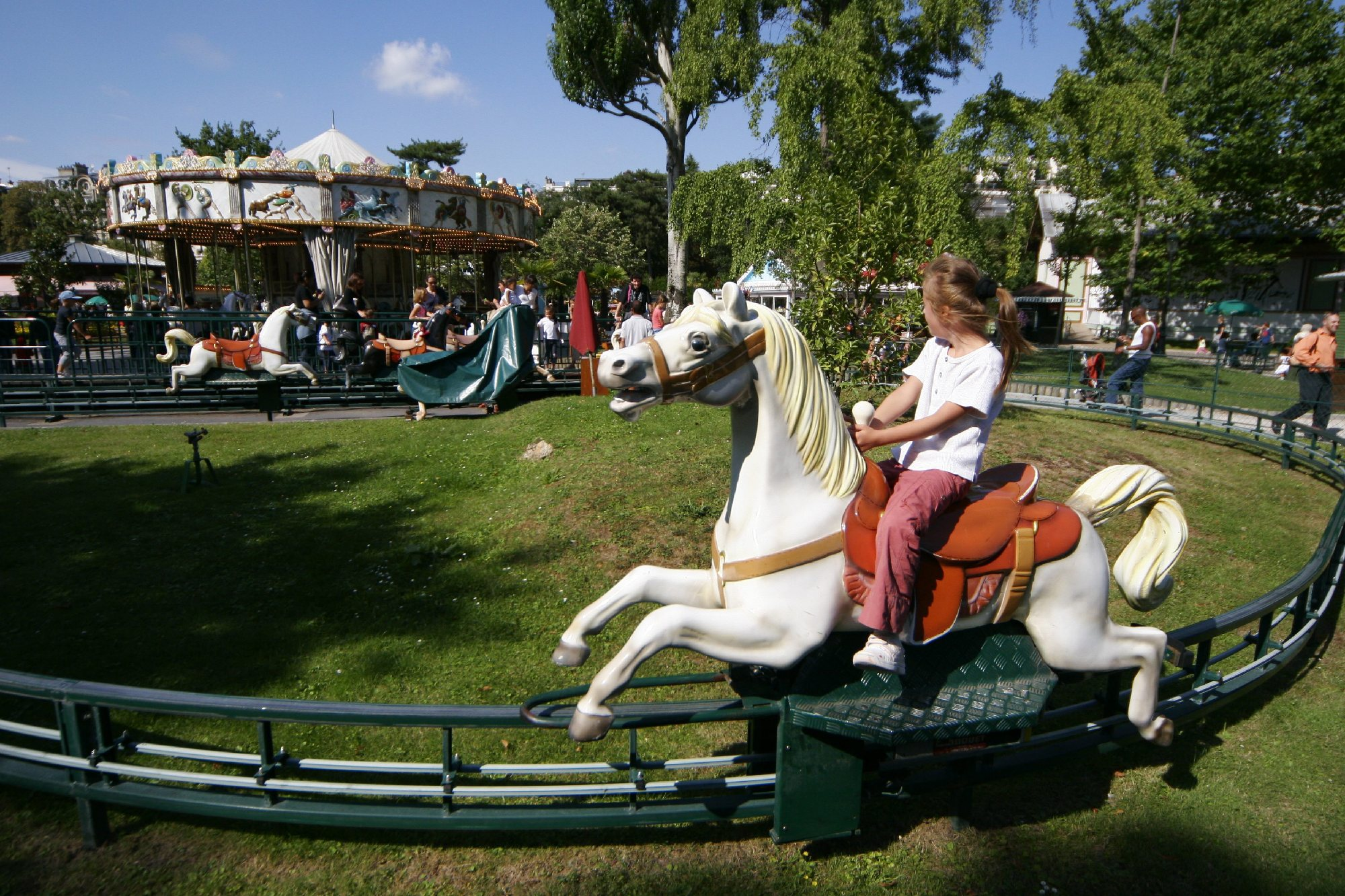 Hit the funfair at the Jardin d'Acclimatation