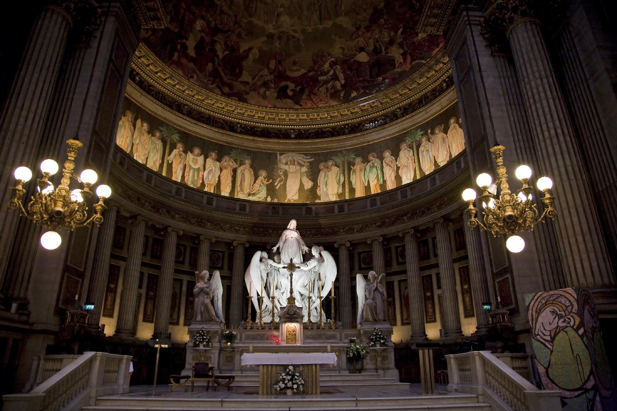 Eglise de la madeleine la madeleine paris for Piscine la madeleine