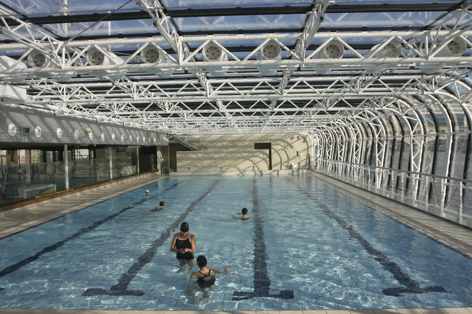 Swimming pools in paris time out paris for Piscine paris 13