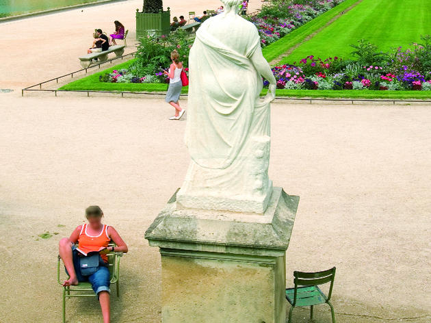 Explore the Jardin du Luxembourg
