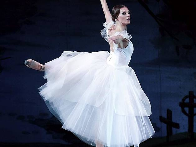 Marvel at a classical ballet at Palais Garnier
