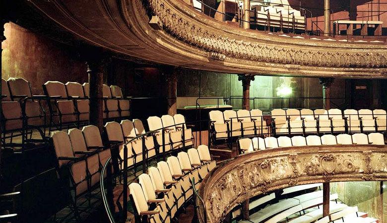 Un théâtre abandonné • Théâtre des Bouffes du Nord