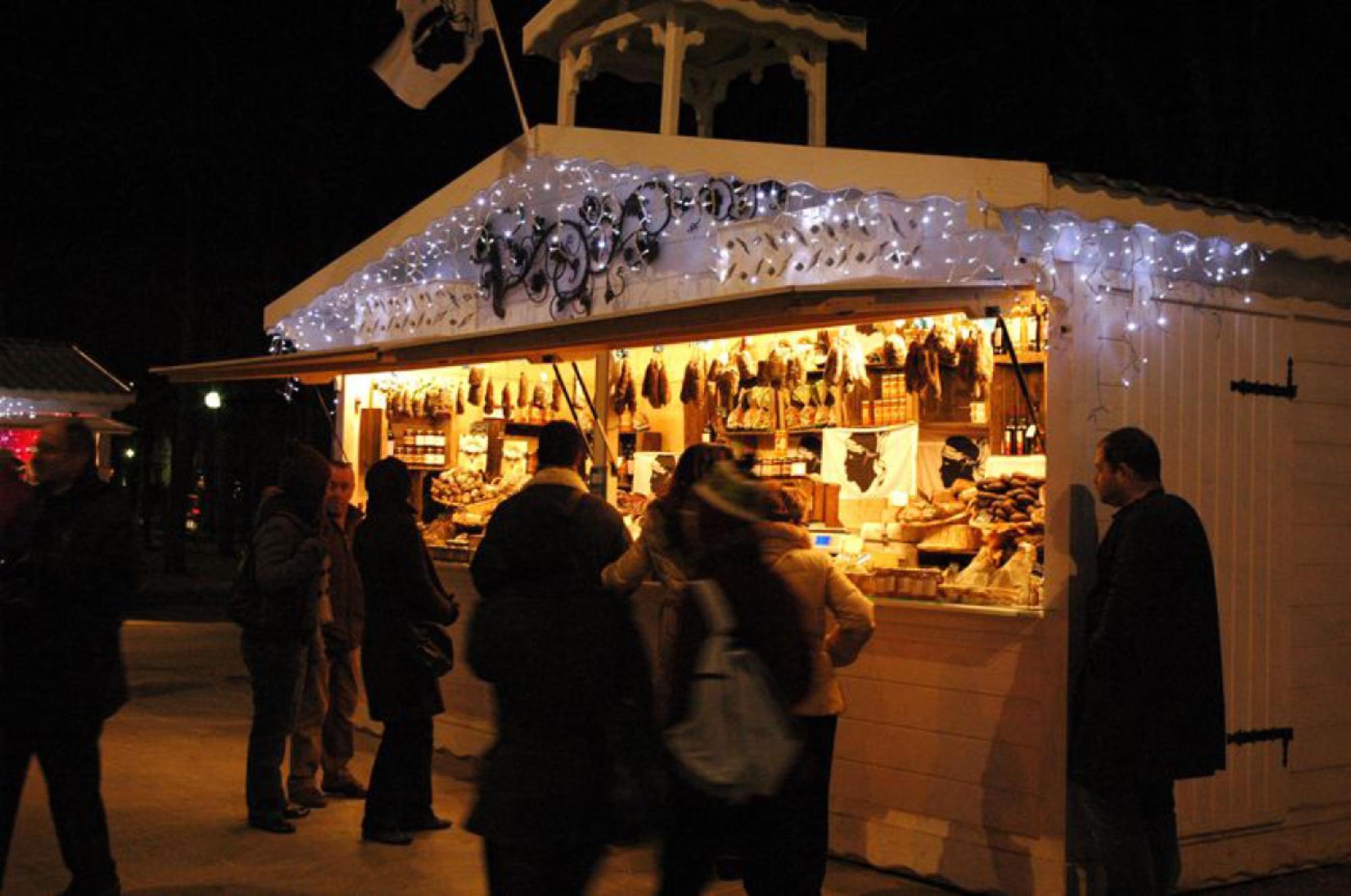 Patinoire du village de Noël des Champs-Elysées