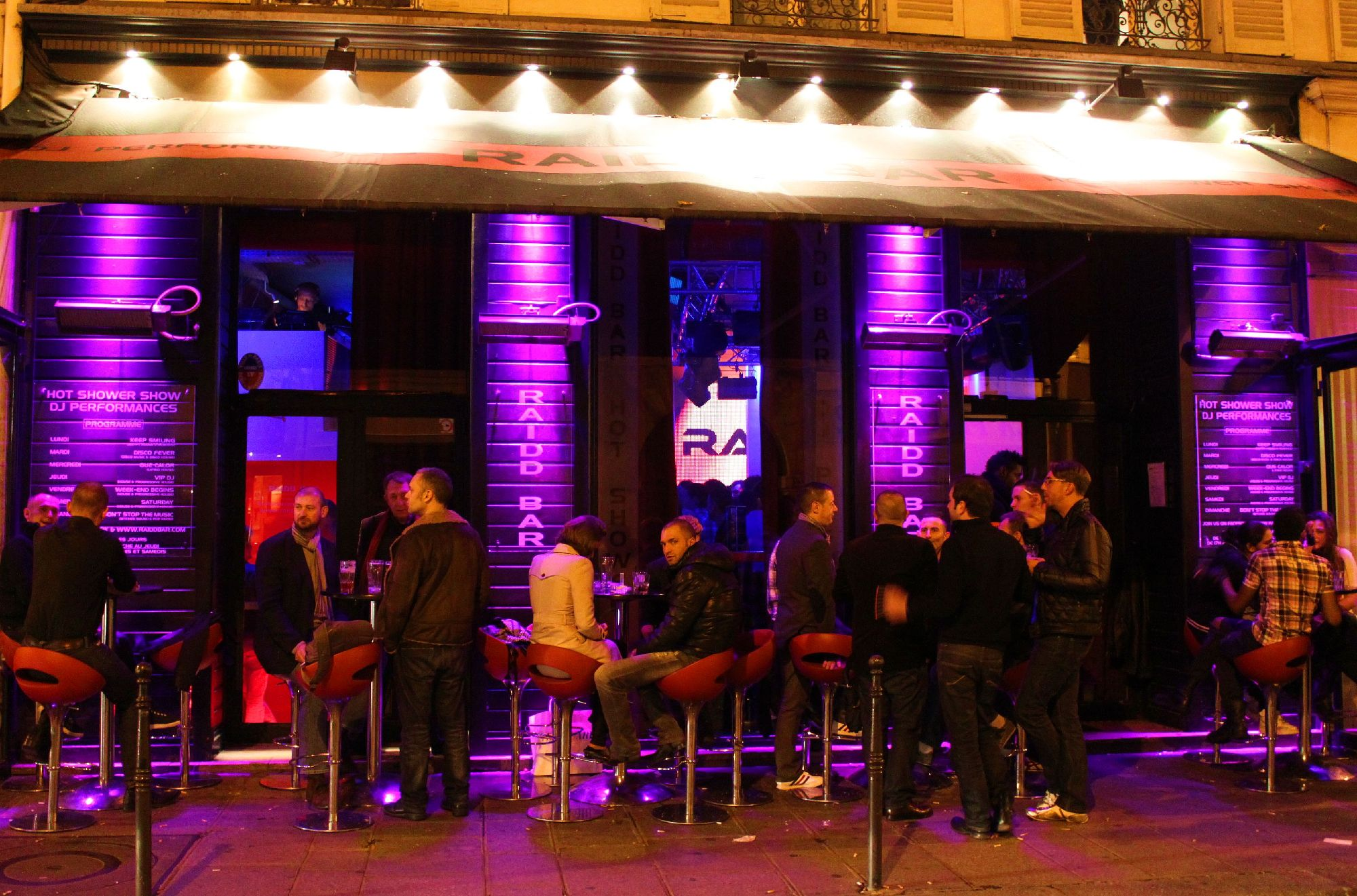 Raidd bar bars le marais paris for Garage gold nevers avis