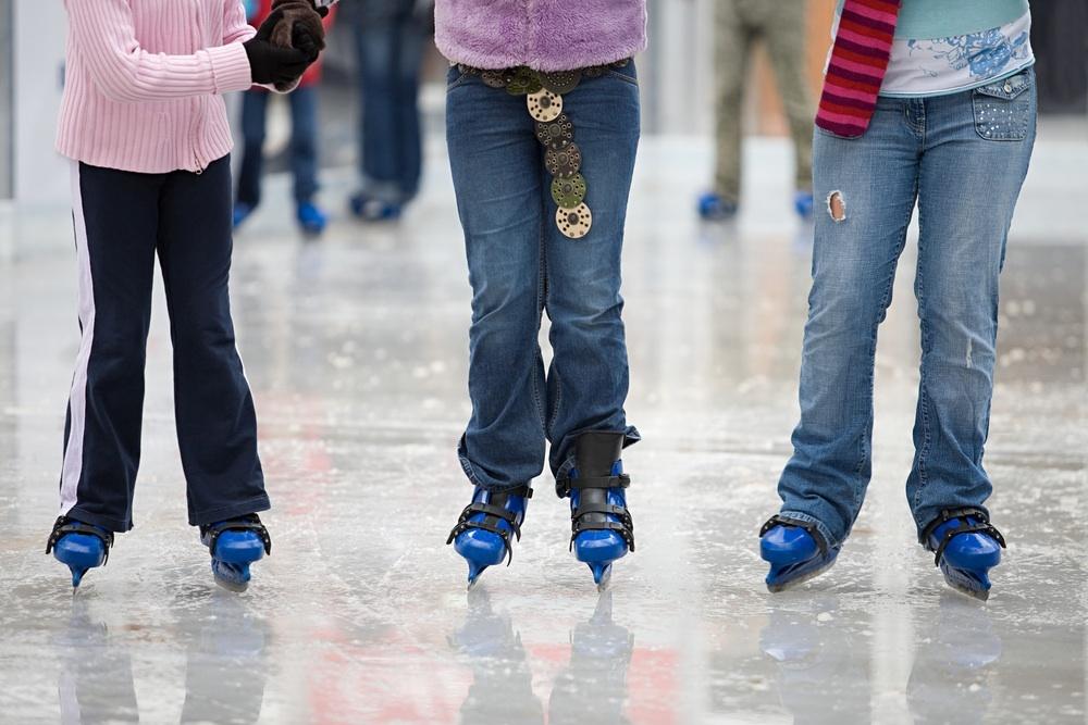 Go ice-skating at Patinoire Sonja Henie