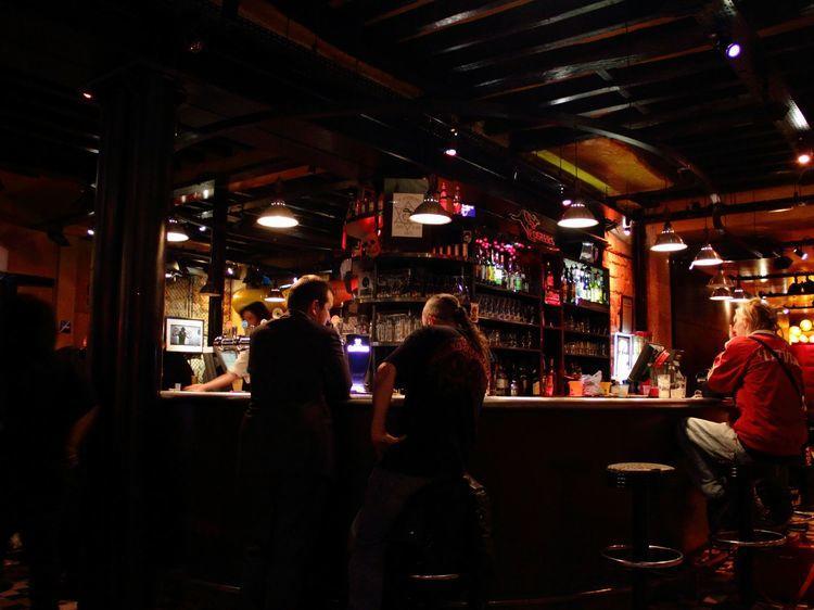 Les bars de nuit