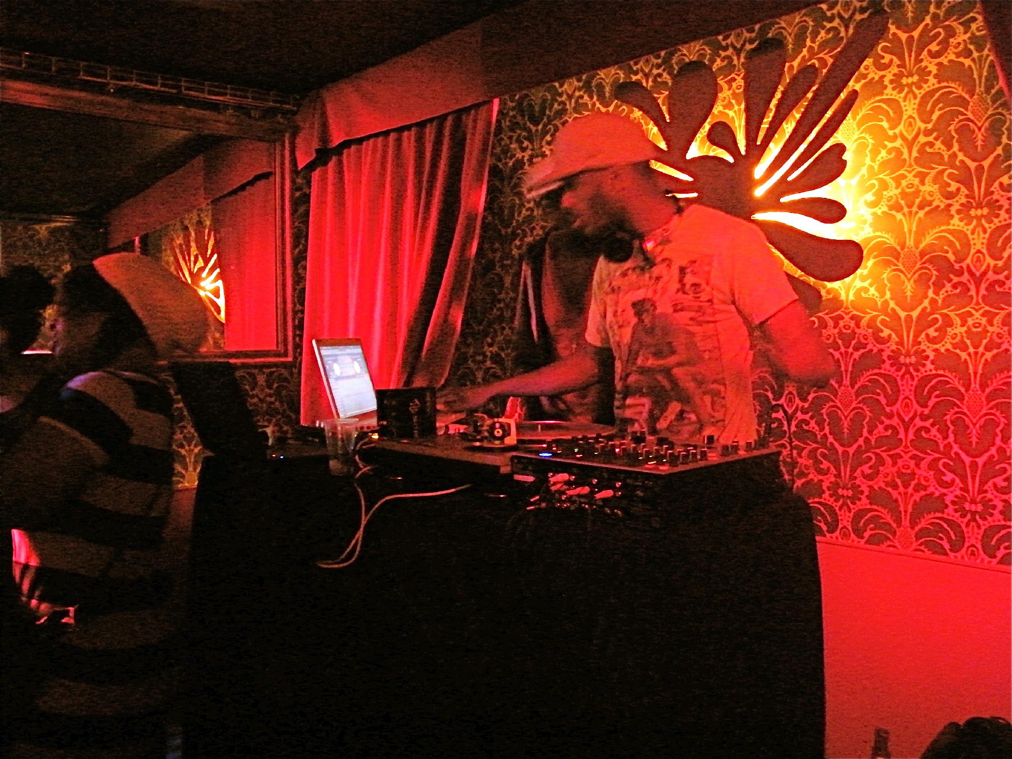 DJ • Mizmiz