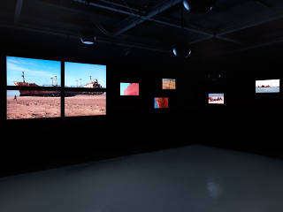 Vue de l'exposition de Zineb Sedira, 'Invitation au voyage', à l'Emba / Galerie Edouard Manet, 2010