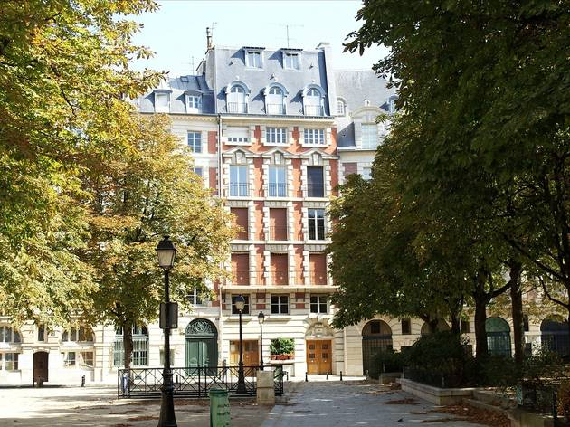 Explore the Marais' nooks and crannies