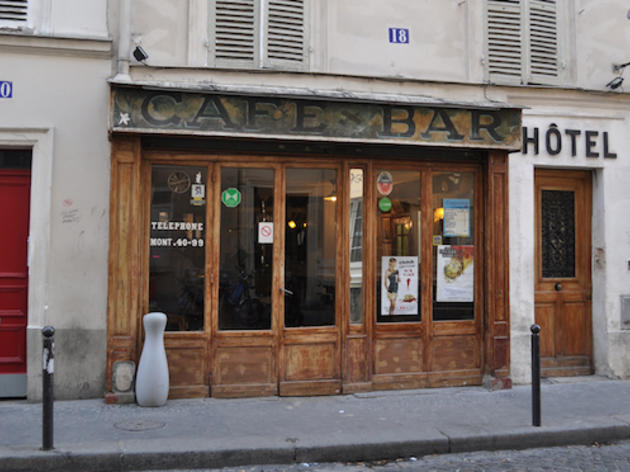 Bars et caf s montmartre time out paris for Restaurant miroir montmartre