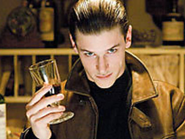 FINE YOUNG CANNIBAL Another wine, please, for Ulliel.