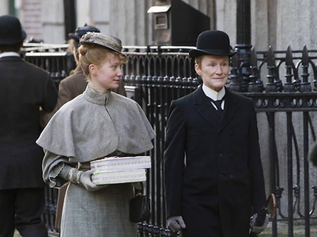Mia Wasikowska and Glenn Close in Albert Nobbs