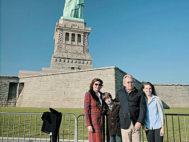 CRY FREEDOM Countess LuAnn de Lessups, left, and her family visit the classiest lady in town.
