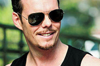 THE REAL SLIM SHADY Kevin Dillon chills as Johnny Drama.