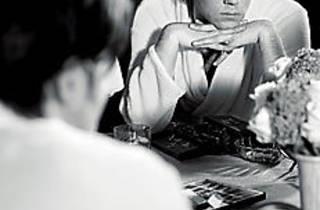 Rufus Wainwright in mirror