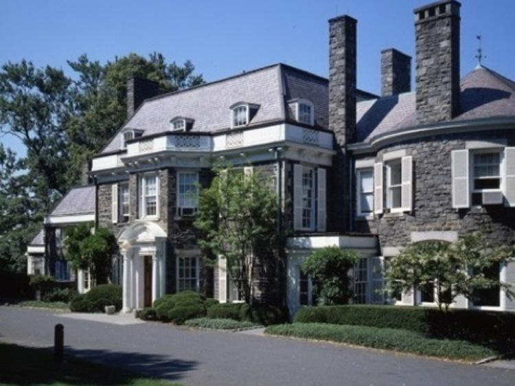 Go to Wave Hill House for free