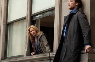 Elizabeth Banks and Sam Worthington in Man on a Ledge