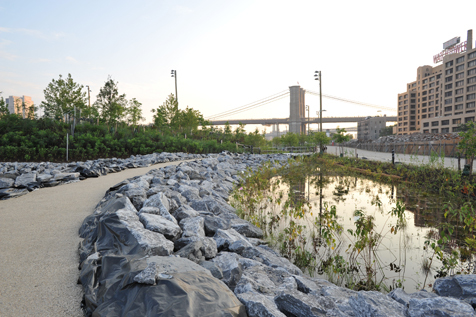 Take a stroll: Brooklyn Bridge Park