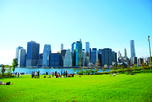 Marvel at the view from Brooklyn Bridge Park