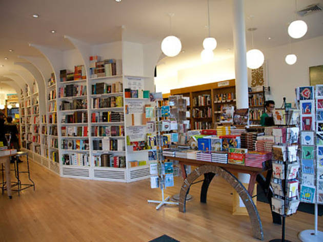 838.ft.greenlightbookstore05.jpg