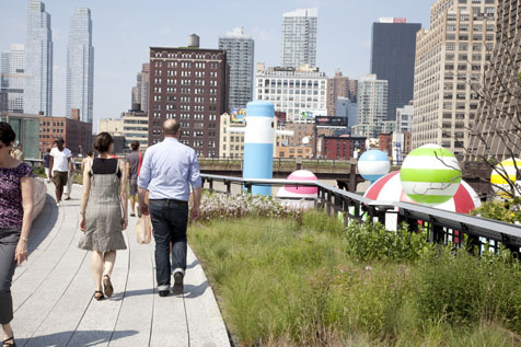 Hang out at the High Line