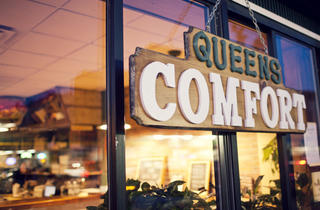 Queens Comfort The comfort-food mania that's overtaken Manhattan and Brooklyn has been largely absent in Queens. Unfortunately, this down-home eatery...