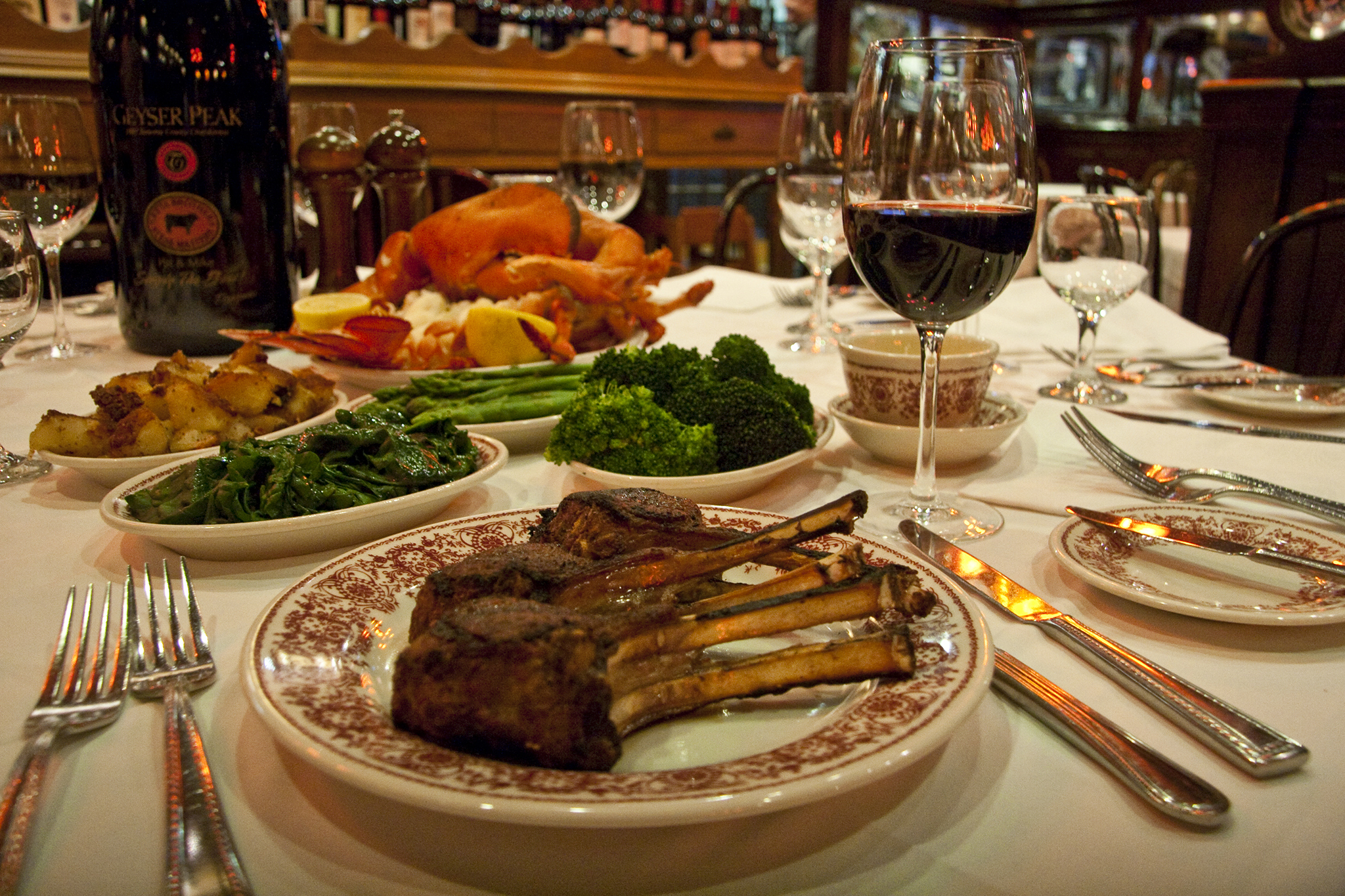 17 Best Steakhouses In Nyc To Devour A