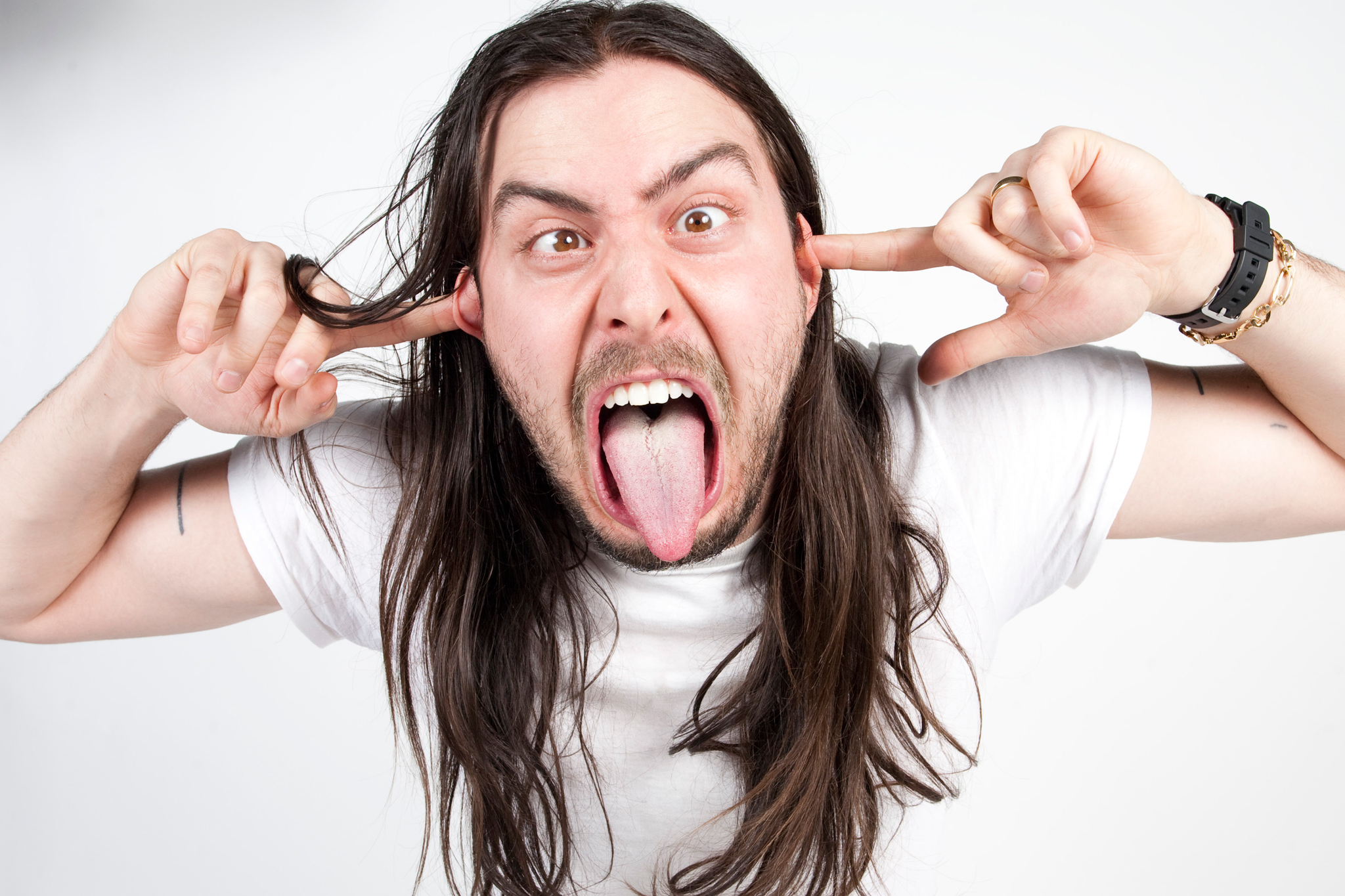 "Andrew W.K. performs ""I Love NYC"""