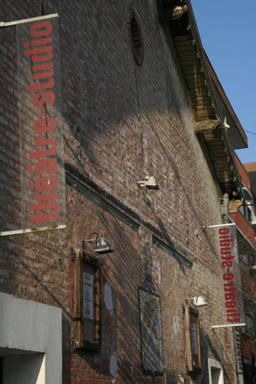 Un entrepôt de vin • Théâtre-Studio d'Alfortville