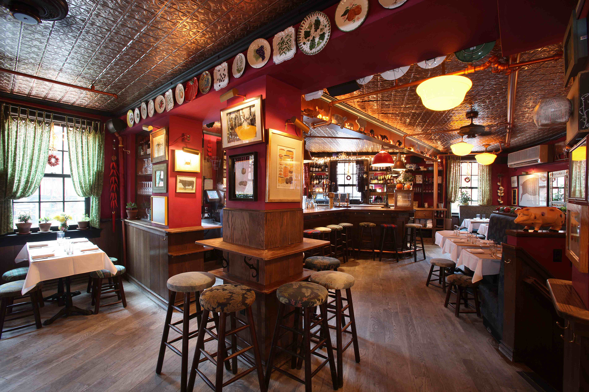 Coziest restaurants and bars in New York City