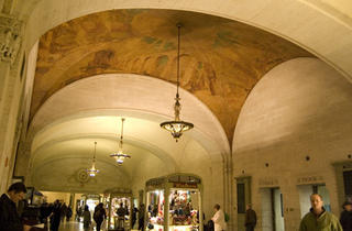 Gay Social Walking Tour: Grand Central