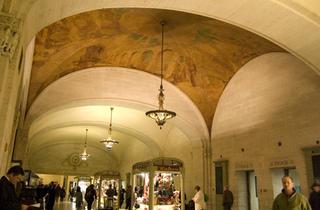 Gay Social Walking Tour: Grand Central