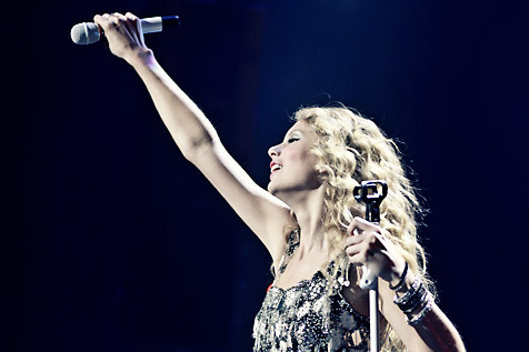 Live photos and review: Jingle Ball 2009