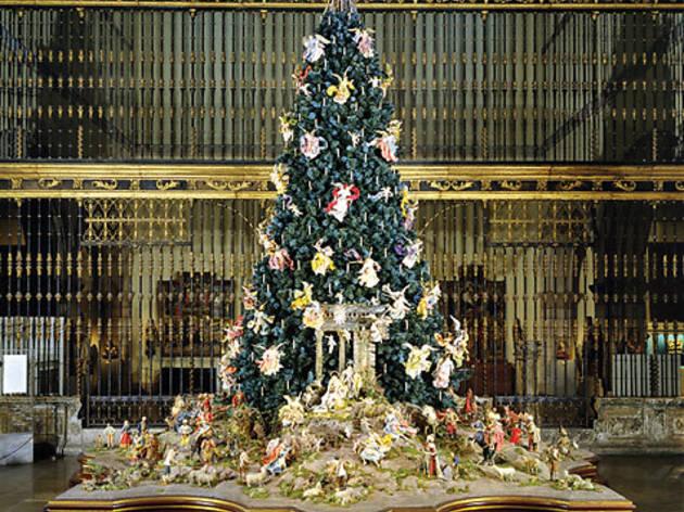 Metropolitan Museum Christmas Tree and Neapolitan Baroque Crèche
