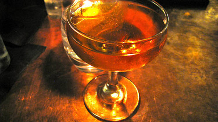 The Babaloo at PDT: A cocktail designed to evoke the peachy/apricot flavors of Mexican chewing gum.