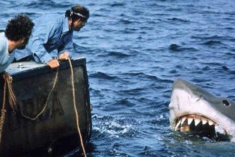 Uma breve história dos tubarões no cinema