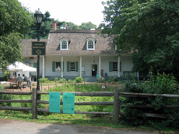 Visit Lefferts Historic House