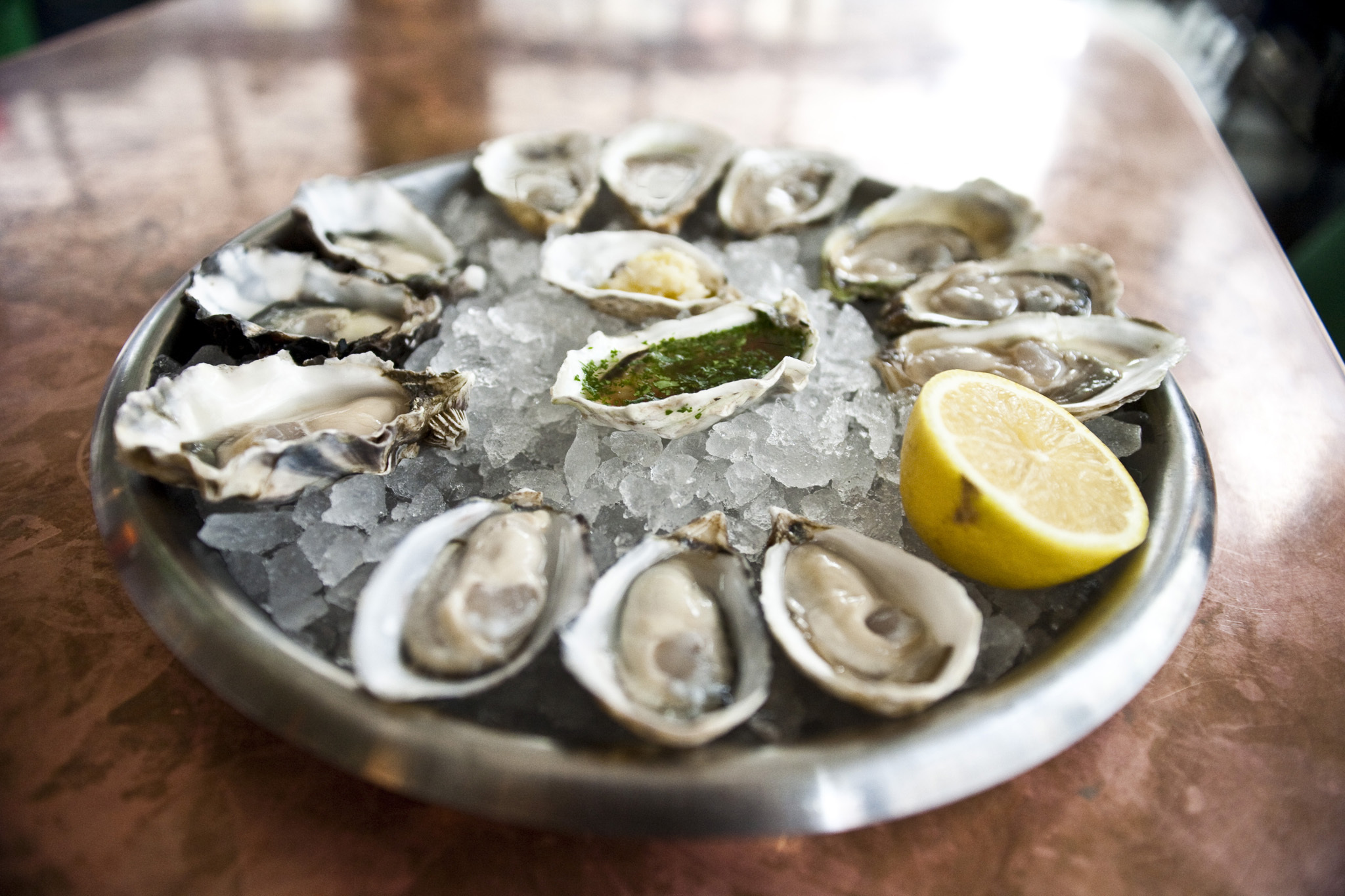 Best Seafood Restaurants In Nyc From Oyster Bars To