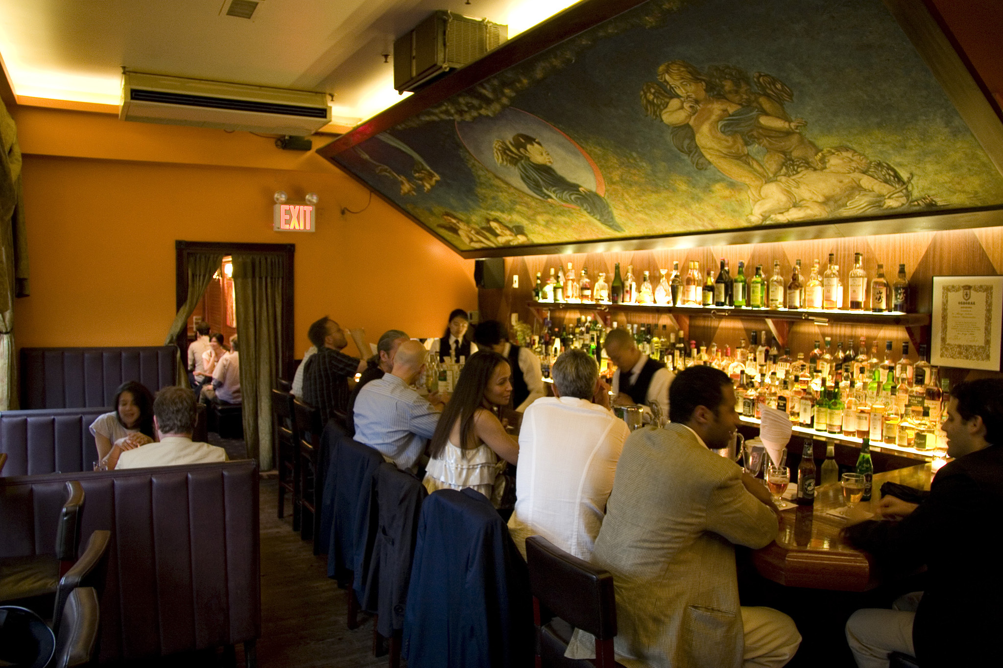 The Most Romantic Bars In New York City To Take Your Date