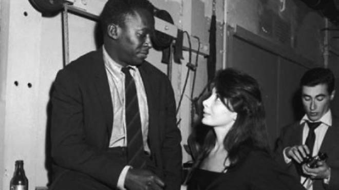 Juliette Gréco rencontre Miles Davis, Boris Vian derrière