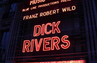 Dick Rivers à l'Olympia (Loin du cliché ringard auquel il est parfois réduit, Dick Rivers a offert un véritable show rock'n'roll le 31 mars dernier)