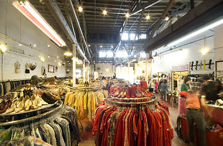 Beacon's Closet, stores