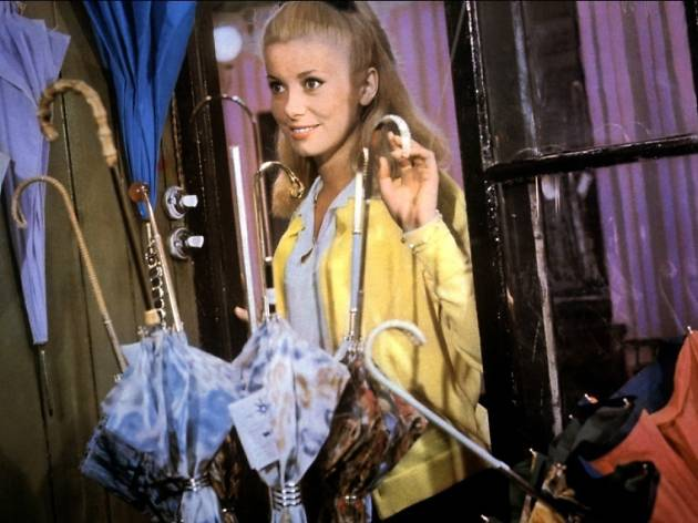 The Umbrellas of Cherbourg (Les parapluies de Cherbourg) (1964)